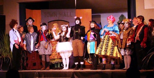 2011 pied piper and tail of rat king